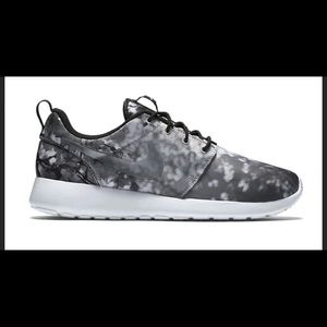 Women's Nike Roshe One Cherry Blossom
